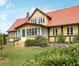 Three-Bedroom Holiday home in Aakirkeby 9