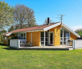 Four-Bedroom Holiday home in Humble 3