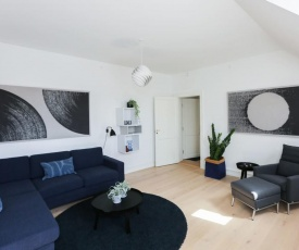 Outstanding designer apt in the heart of the city